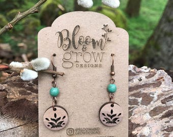 Wooden Earrings - Vintage style with Turquoise Stone