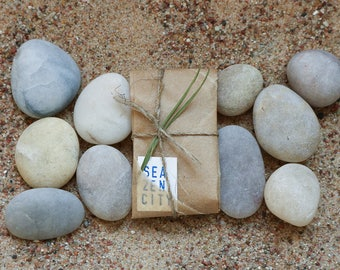 Beach Theme Party Guest Gifts - Quartz Pebble Night Lights - Phone Light Stones -  Rustic Wedding Favors - Stocking Stuffer
