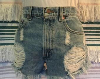 Vintage Levis Cut Off High Waist Denim Shorts Distressed Front Raw Hem