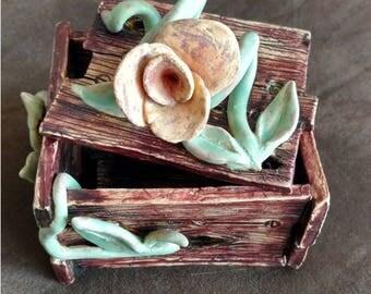 Rose and Vine  Box