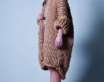 Chunky knit sweater. Big yarn cardigan. Chunky knitting. Bulky