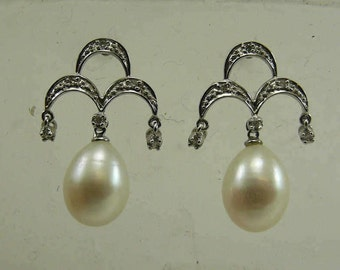 Freshwater White 8.3 x 10.3 mm Pearl Earring with Diamonds 0.07ct 14k White Gold