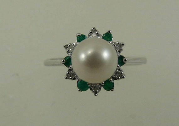 Freshwater White Pearl Ring with Emerald and Diamond 14k White Gold