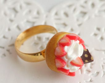 Handmade polymer clay tart Strawberry whipped cream polymer clay, gold Adjustable ring, ring