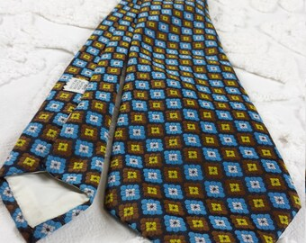 Polyester wide neck tie 1970s 70s blue brown yellow white square flower check funky hipster prom