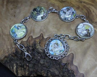 Vintage style, Alphonse Mucha prints, cabochon bracelet *Excellent little gift or stocking filler*