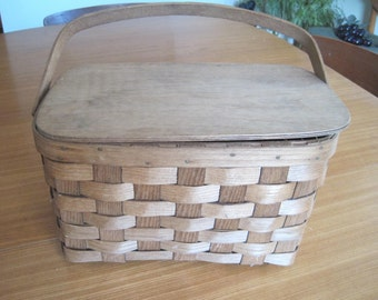 "Split Oak Picnic Basket, Basketville, Wooden Lid, Single Handle, Beach Decor, 8"" x 14"" x 8"", Vintage"