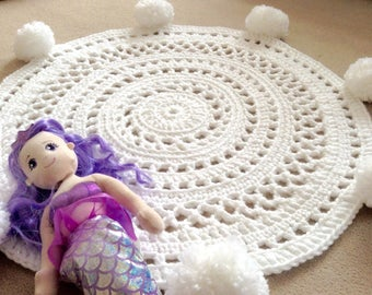 Pom Pom Rug. Nursery Rug, Playmat. Circle Rug. Nursery Decor. Round Rug. Crochet Rug