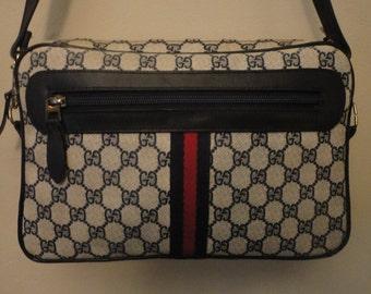 Vintage Authentic Gucci Handbag 12x7 1/2x2 3/4