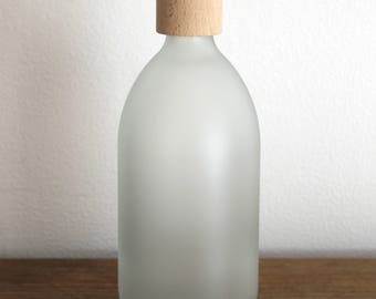 Cloudy White Glass 500ml Bottle With Wooden Top