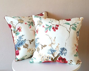 Floral pillow, shabby chic pillow, red flowers, elegant pillow, handmade in Italy pillow cover
