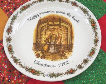 Vintage 1972 Holly Hobbie Christmas Plate, Collectible Plate, Christmas Decoration, Holiday Decor, Gift for her, 1970s Christmas, Doll