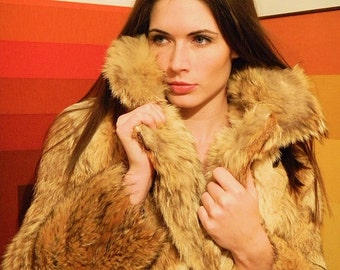 Fur coat, double breasted, vintage, 1970s, sexy, soft, warm, coyote, large