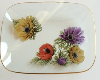 1960s glass dish with anenome print