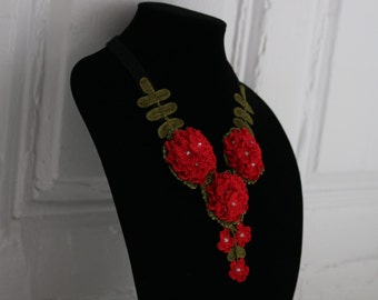 Handmade crochet necklace/ Red / A unique gift for Christmas!