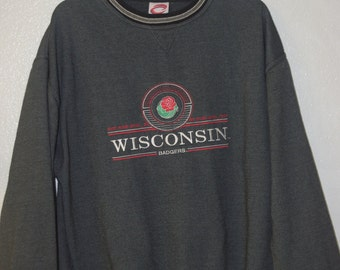 Vintage  Embroidered 2000 Wisconsin Badgers Rose Bowl Sweatshirt, Size L , Great condition 8/10