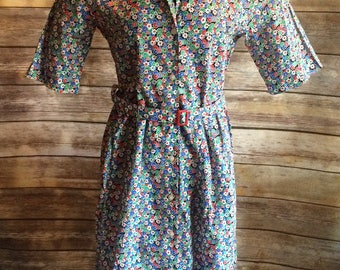Summery 1940's Themed Flower Print Button Up Belted Dress Medium Large