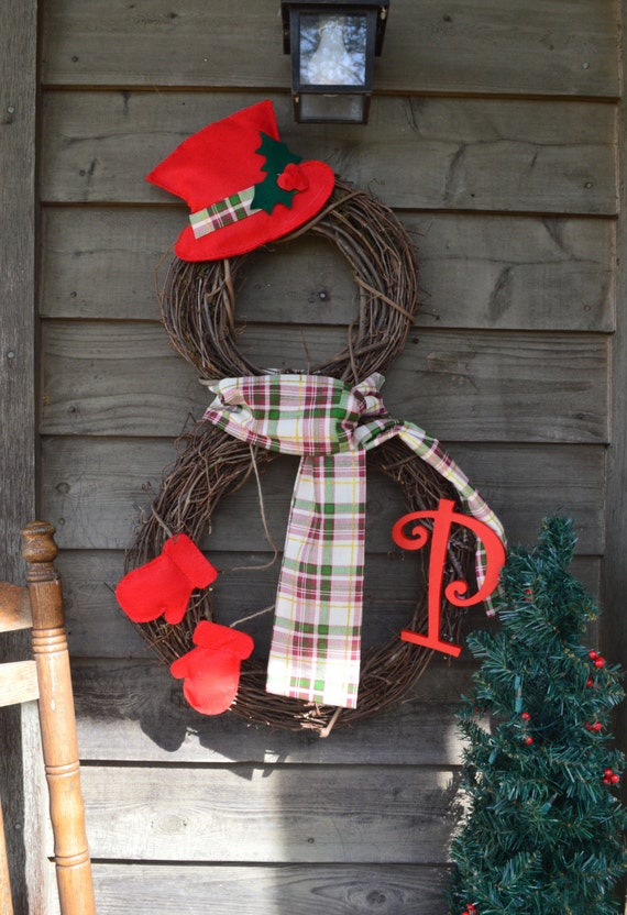 Items Similar To Personalized Snowman Wreath Grapevine