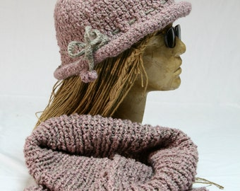 Winter protection set; Knitted cloche hat and shawl set. - 0005