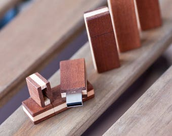 Custom Wooden 16GB USB 2.0 Flash Drive Kingston Made From Mahogany and Ash Material With Carnauba Wax Wood Finish Special Gift Box