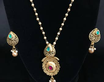 Indian Jewelry - Indian Pendant Set - Antique Gold Pendant Set - Bollywood Jewelry - Kundan Jewelry - South Indian Jewelry - Temple Jewelry