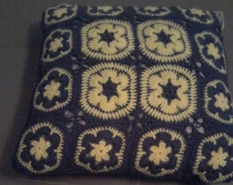 Crochet Cushion cover. Granny square and African flower - A customize