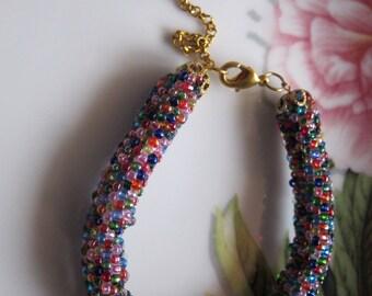 Bracelet of multicolored crystalline beads