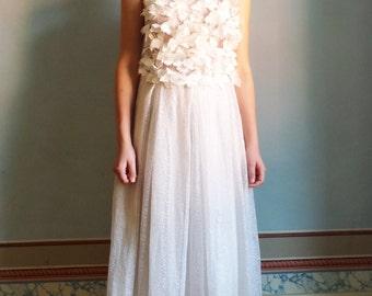 A I M S of È Weddingdress