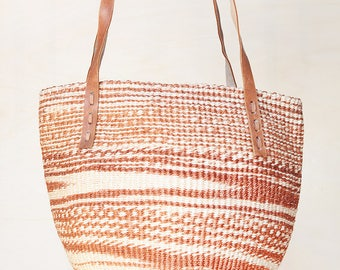Africa basket brown kenya bag straw market bag straw tote straw beach bag brown sisal bag Brown Straw bag woven basket bag woven straw bag