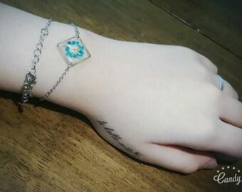 Flower Resin Chain Bracelet