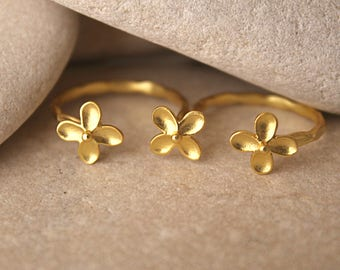 Flower double finger ring, Double ring of flowers, 18K gold plated brass ring, Handmade ring, Gift for her