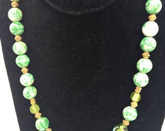 Mutlicolor Green and White Necklace