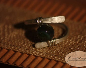 Arinya: Hammered aluminum ring with beads