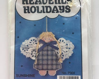 Heavenly Holidays Angel Ornament Paper Stitching Kit