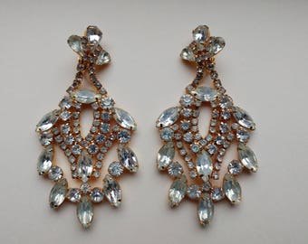 Elegant Rare Vintage Clear Rhinestone Clip On Earrings