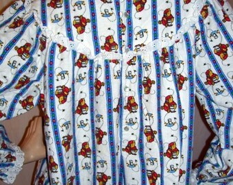 Whinnie the Pooh Nightgown Lanz of Salzburg Pajama Flannel Vintage Pooh Bear Victorian Style PJs Sleeping Gown Dress Pajamas Adult L
