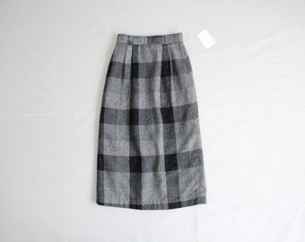 wool plaid skirt | grey & black plaid | plaid wool skirt