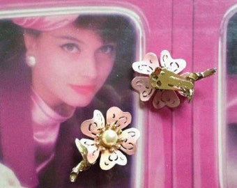 Vintage Flower Pearl Clip On Earrings Gold Pink Retro Mod