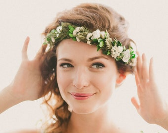 Bridal headpiece, Boho woodland hair wreath, Floral circlet, flower crown, Floral headpiece, Woodland wedding head piece, Green leaf circlet