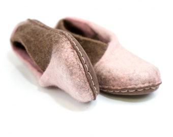 The envelope slippers - Felt natural wool handmade slippers -  Chocolate Brown/Pale pink - felted slippers - womens slippers
