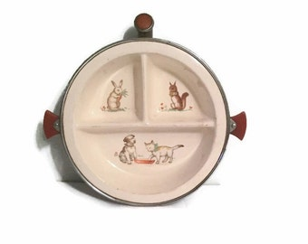 Excello divided baby warming dish with bakelite handles - Chromium - 1930s to 1940s - Puppy - Kitten - Bunny - Squirrel