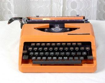 Mod 1970's Orange Typewriter // Columbia XL // Super Retro // With Carrying Case // Mad Men Office // Vintage Office // Modern Design