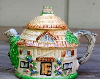 Cottage Teapot Japan