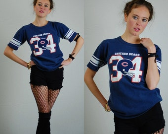 Chicago Bears Tee Vintage 80s Dark Blue NFL Chicago Bears 34 Walter PEYTON Distressed Worn Made in the USA T Shirt (s m)