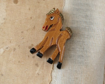 vintage 1940s brooch / 40s horse brooch / 40s 50s carved wooden horse pin / 50s carved wood brooch / carved figural horse pin