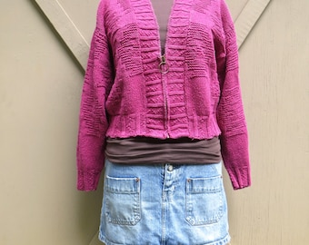 80s/90s vintage Slouchy Magenta Cropped Textural Knit Cotton Cardigan Zip Sweater / Best American Clothing Company / made in the U.S.A.