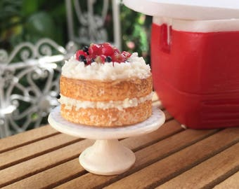 Miniature Strawberry Shortcake on White Cake Stand, Dollhouse Miniature, 1:12 Scale, Miniature Food, Dollhouse Food Accessory