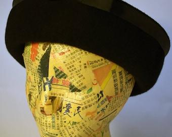 1960s Black Wool Felt Women's Breton Hat Peachfelt Henry Pollak, Inc.