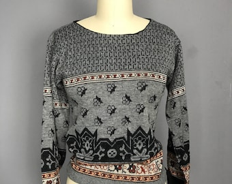 Fitted Boho Gray and Black Sweater