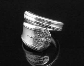 Decorative Victorian Spoon Ring, Ornate Silver Spoon Jewelry, Queen Bess 1924